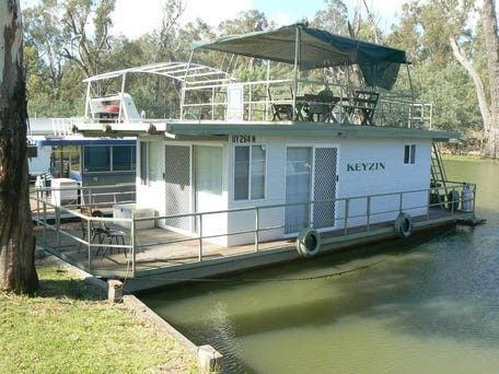 Luxury Afloat - Houseboat Hire Hawkesbury River, Brooklyn - Sydney