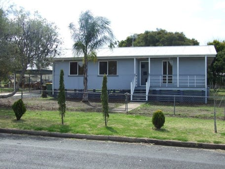 Sold price for 6 lalor street crows nest qld 4355 for Crows nest house plans