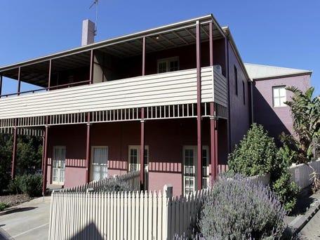 5/2 Ballarat Road, Footscray