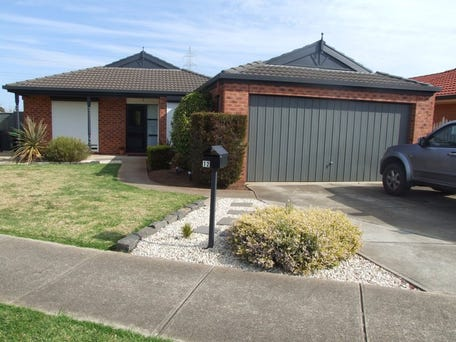 12 Wenden Court, Burnside, Vic 3023