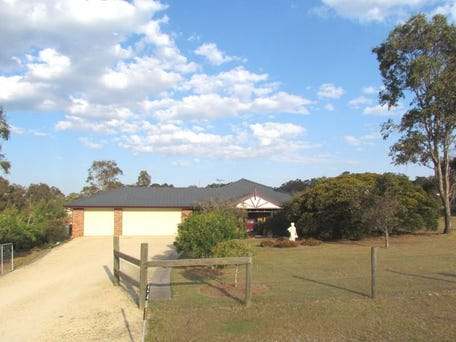 24 Lakes Folly Drive, Branxton