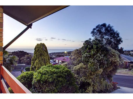 5 Manoora Drive, Hallett Cove