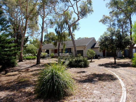 Sold price for 192 nowra road roches beach tas 7170 for Home ideas centre hobart