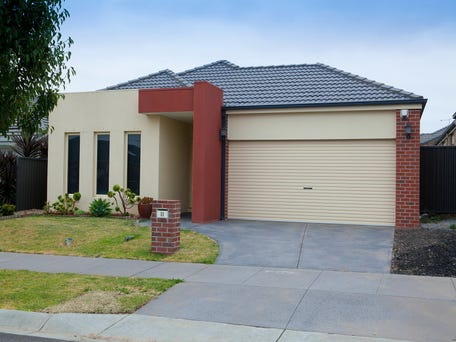 11 Platt Close, Pakenham, Vic 3810