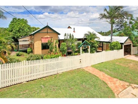 9 Thackeray St, Norman Park, Qld 4170