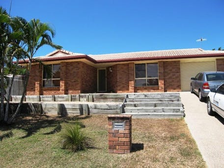 92 Slater Avenue, Blacks Beach, Qld 4740