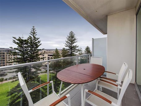 Sold price for 903 25 colley terrace glenelg sa 5045 for 25 colley terrace glenelg