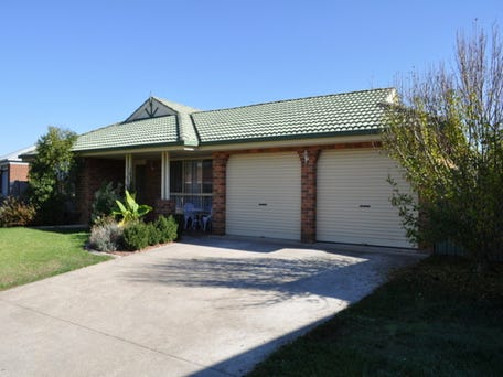 4 Condon Place, Lavington, NSW 2641