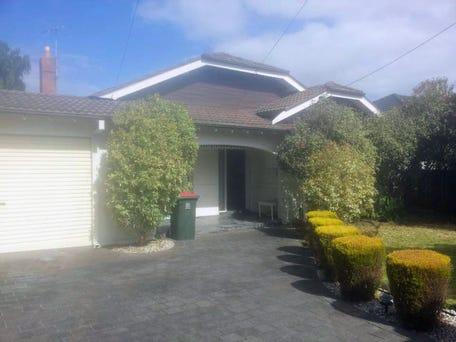 28 Sunnyside Grove, Bentleigh