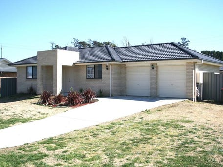 12 Wright Place, Goulburn, NSW 2580