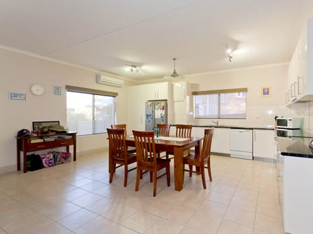 8 Gilbert Place, Alice Springs, NT 0870
