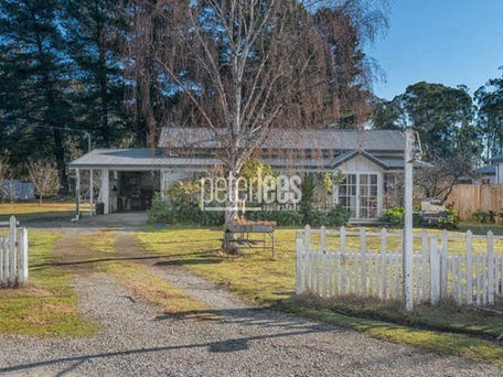 48 foreshore road swan point tas 7275 house for sale for Home ideas centre launceston
