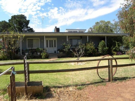 Henry Lawson 275 way young