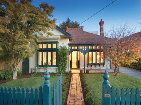 30 Wheatland Road, Malvern