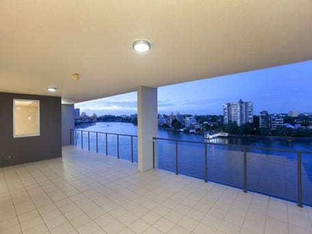 24/98 Thorn Street, Kangaroo Point, Qld 4169