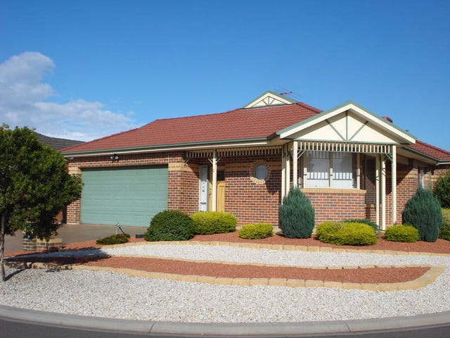 2 Innes Place, Caroline Springs, Vic 3023