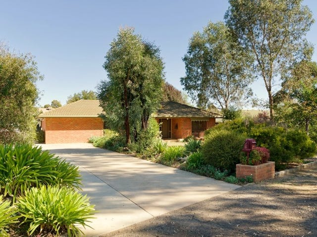 52 Moscript  Street, Campbells Creek, Vic 3451