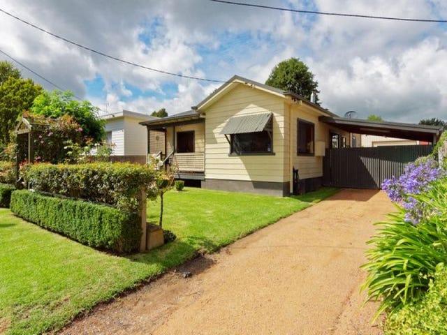 16 Hoskins Street, Moss Vale, NSW 2577