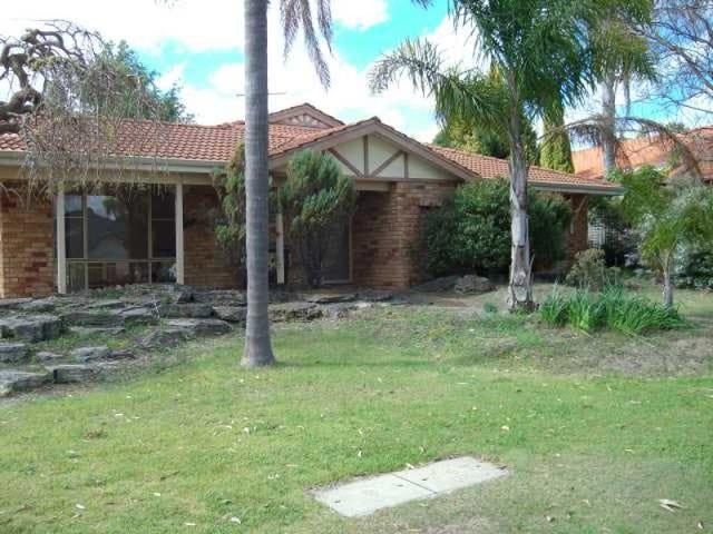 37 Lakeshore Close, Ballajura, WA 6066