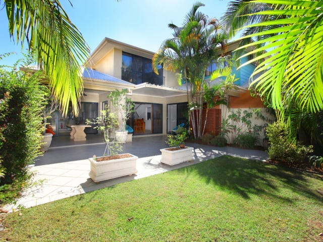 1/3 Harcourt Crescent, Southport, Qld 4215