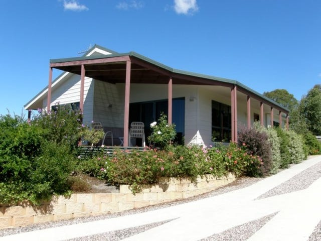 16 Bayvista Rise, St Helens, Tas 7216