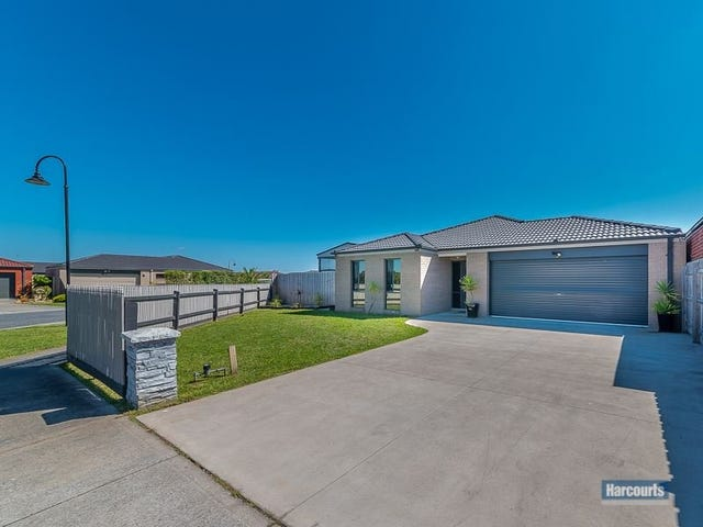 17 Oak Avenue, Longwarry, Vic 3816