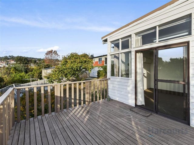 8 Myuna Road, Blackmans Bay, Tas 7052