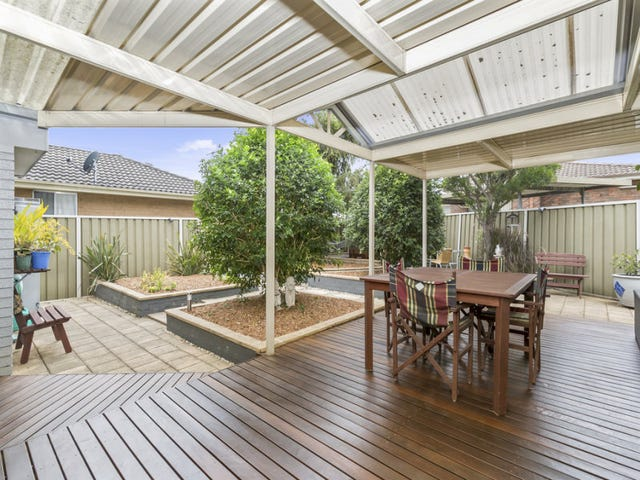 11 Etna Place, Bossley Park, NSW 2176