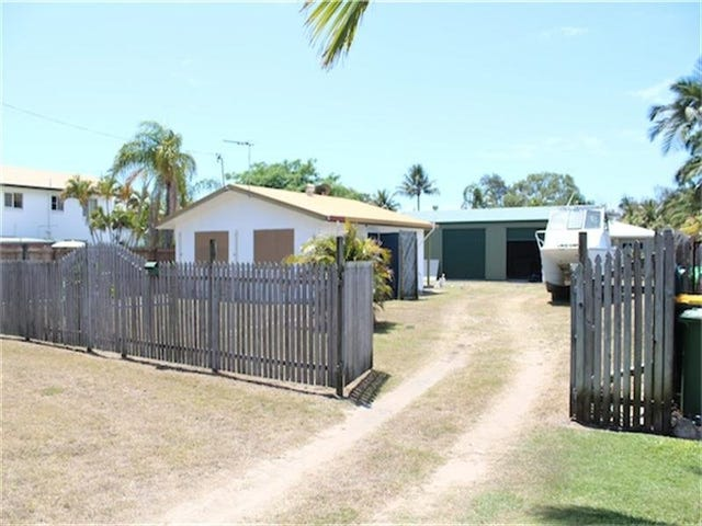 17 Pacific Drive, Blacks Beach, Qld 4740
