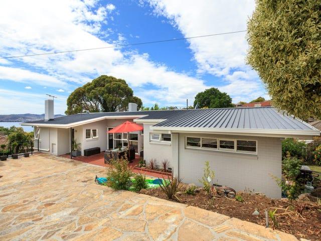 5 Heathcombe Crescent, Sandy Bay, Tas 7005