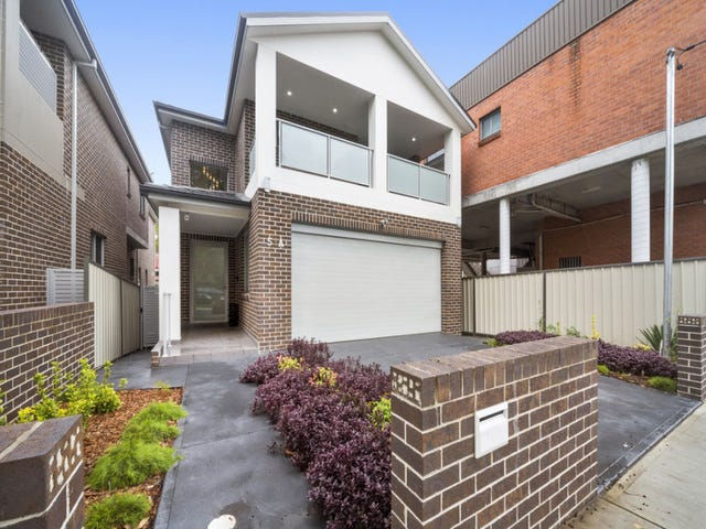 51A Hillcrest Ave, Greenacre, NSW 2190