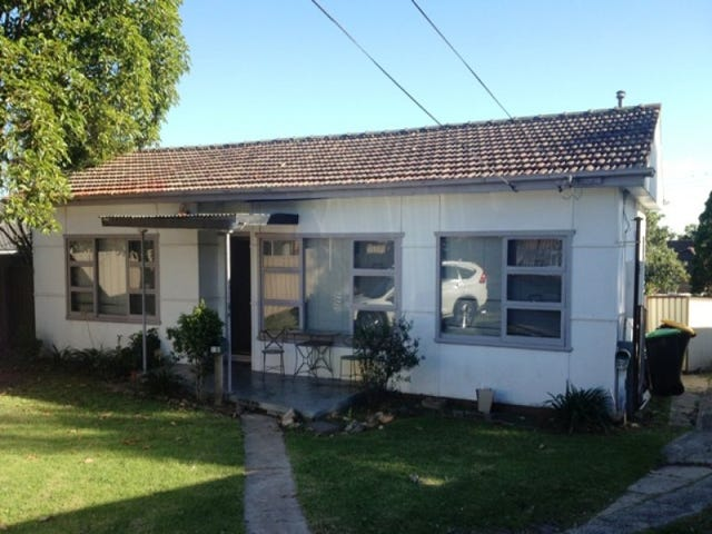 32B Henry Lawson Drive, Peakhurst, NSW 2210