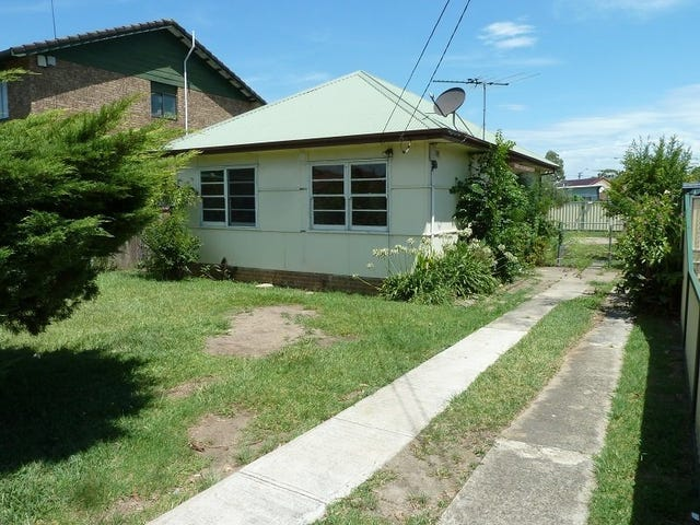 5 WILBUR STREET, Greenacre, NSW 2190