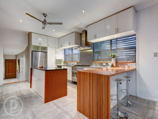 35 Stoneleigh St, Albion, Qld 4010