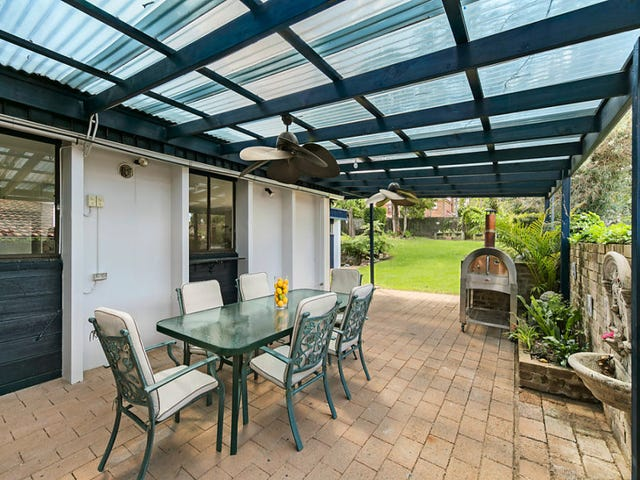 18 Phillip Road, St Ives, NSW 2075