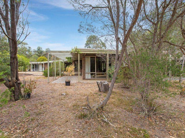 105 Sandy Point Road, Somers, Vic 3927