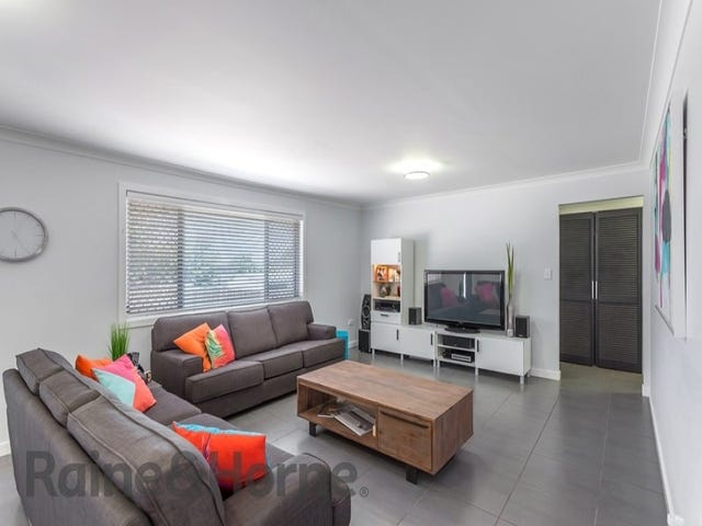 2/1 Raftery Street, Centenary Heights, Qld 4350