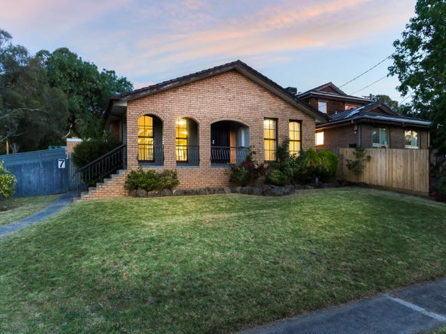 7 Peter Drive, Ferntree Gully, Vic 3156