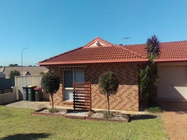 17 Mclaren Place, Ingleburn, NSW 2565