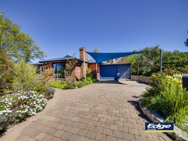 14 Dash Crescent, Fadden, ACT 2904