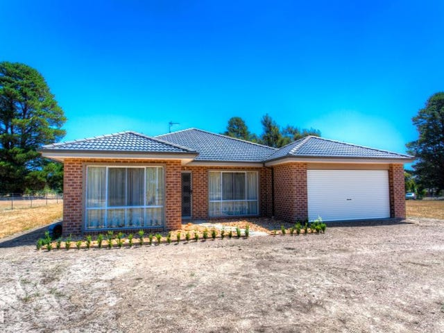 13 Woodlands Road, Enfield, Vic 3352