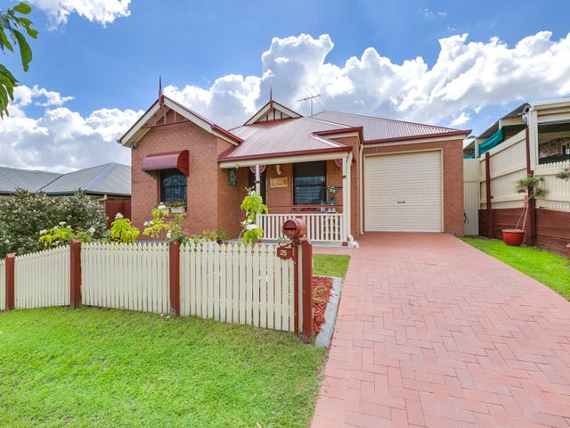 25 Wollumbin Crescent, Waterford, Qld 4133