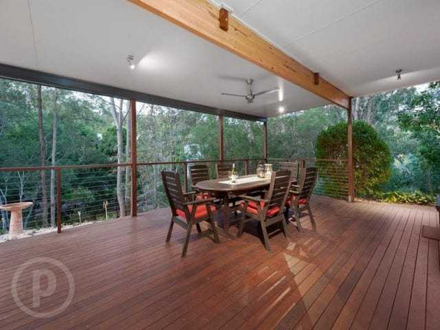 8 Sherborne Place, Chapel Hill, Qld 4069