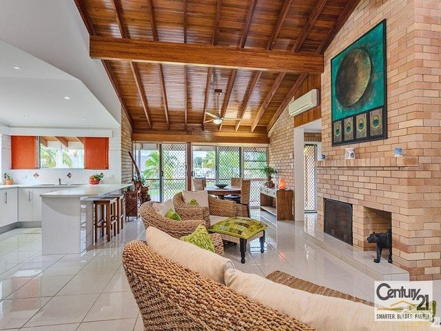 2 Oyster Pde, Tin Can Bay, Qld 4580