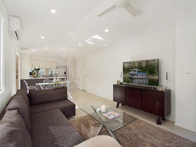 1/15 Muscovey Avenue, Paradise Point, Qld 4216