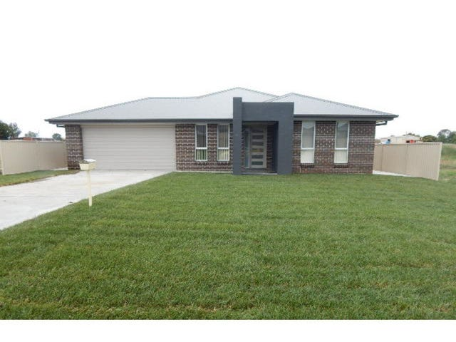 33 Amber Close, Kelso, NSW 2795