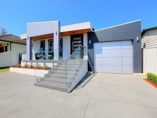 9 Erica Crescent, Georges Hall, NSW 2198