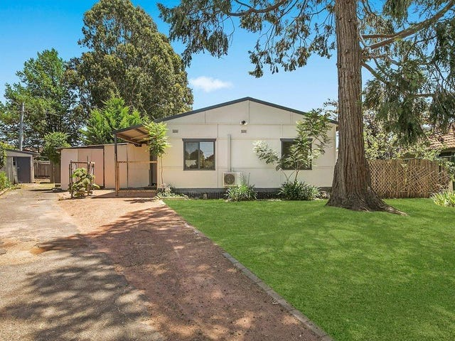 18 Marlee Place, Narrabundah, ACT 2604