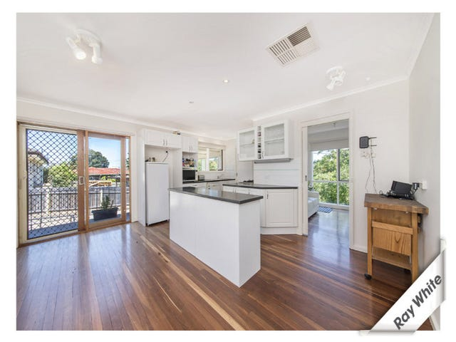 2 Alfred Hill Drive, Melba, ACT 2615