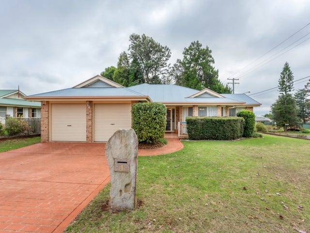 1 Emerald Court, Middle Ridge, Qld 4350